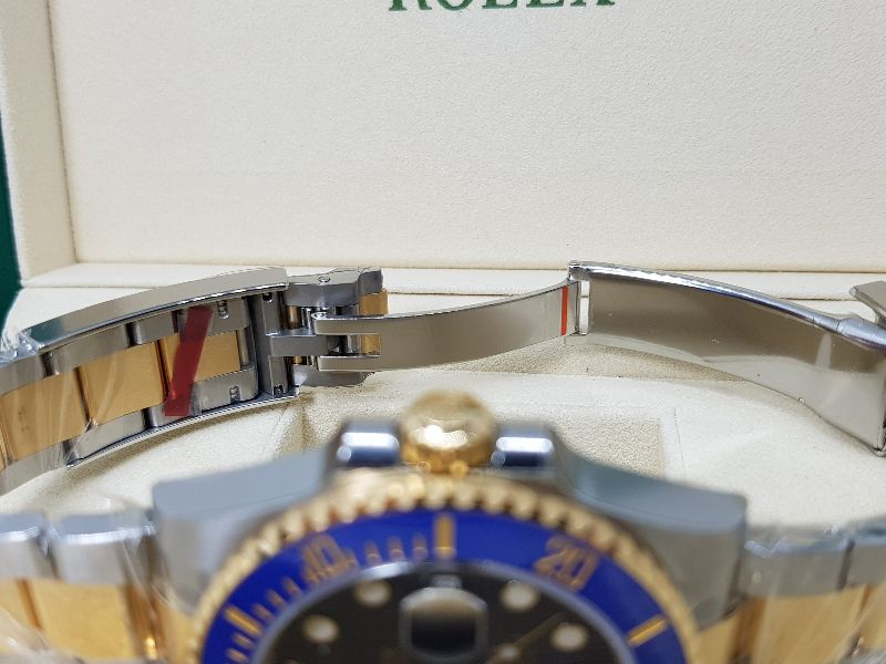 ROLEX OYSTER PERPETUAL SUBMARINER DATE 116613LB Fullbox